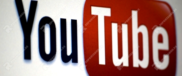 youtube Logo on a laptop screen